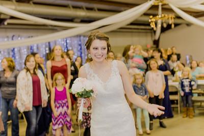 05019--©ADH Photography2017--MrAndMrsViox--Wedding