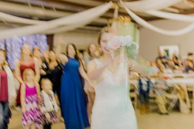 05027--©ADH Photography2017--MrAndMrsViox--Wedding