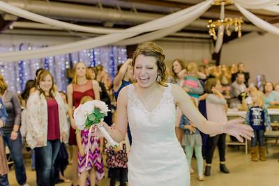 05023--©ADH Photography2017--MrAndMrsViox--Wedding