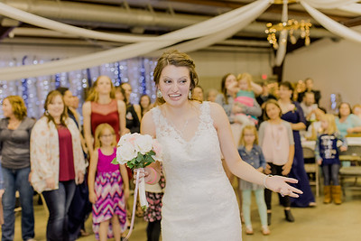 05017--©ADH Photography2017--MrAndMrsViox--Wedding