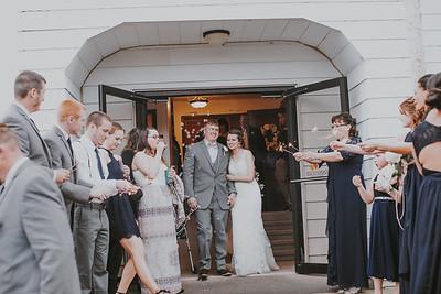 02755--©ADH Photography2017--MrAndMrsViox--Wedding