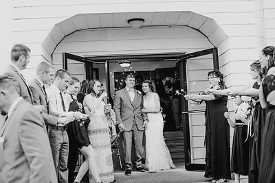 02758--©ADH Photography2017--MrAndMrsViox--Wedding