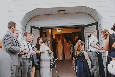 02753--©ADH Photography2017--MrAndMrsViox--Wedding