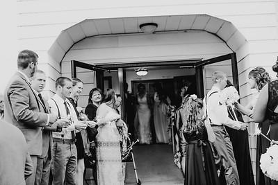 02752--©ADH Photography2017--MrAndMrsViox--Wedding