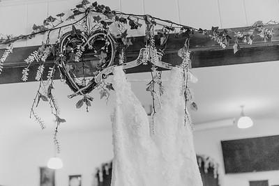 00060--©ADH Photography2017--MrAndMrsViox--Wedding