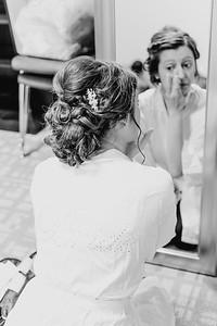 00160--©ADH Photography2017--MrAndMrsViox--Wedding
