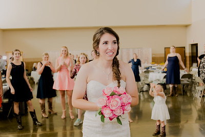 05687--©ADH Photography2017--DerekHollyVolker--Wedding