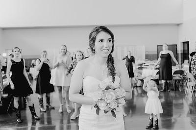 05686--©ADH Photography2017--DerekHollyVolker--Wedding