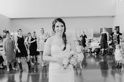 05676--©ADH Photography2017--DerekHollyVolker--Wedding