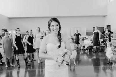05674--©ADH Photography2017--DerekHollyVolker--Wedding