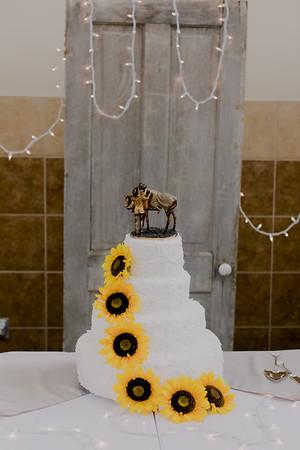 02865--©ADH Photography2017--DerekHollyVolker--Wedding
