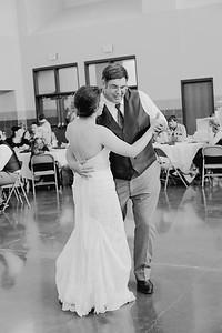 05080--©ADH Photography2017--DerekHollyVolker--Wedding