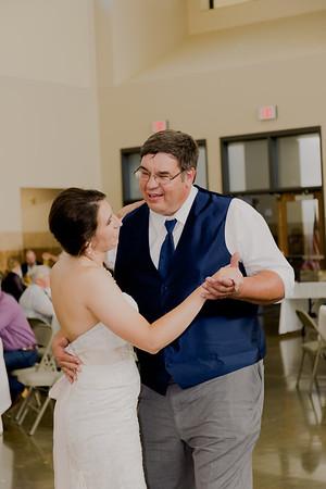 05089--©ADH Photography2017--DerekHollyVolker--Wedding