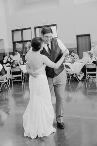 05078--©ADH Photography2017--DerekHollyVolker--Wedding