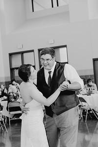 05082--©ADH Photography2017--DerekHollyVolker--Wedding