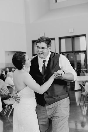 05088--©ADH Photography2017--DerekHollyVolker--Wedding