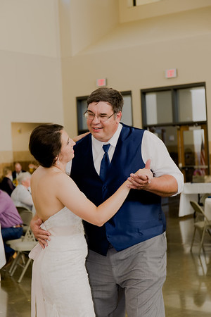 05087--©ADH Photography2017--DerekHollyVolker--Wedding