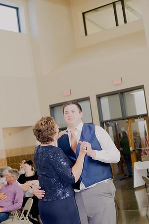 05161--©ADH Photography2017--DerekHollyVolker--Wedding