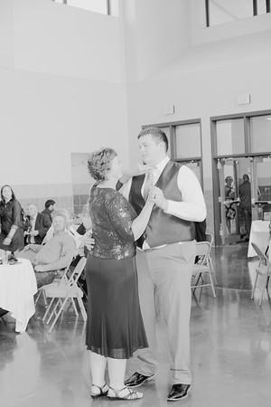 05140--©ADH Photography2017--DerekHollyVolker--Wedding