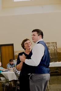 05151--©ADH Photography2017--DerekHollyVolker--Wedding