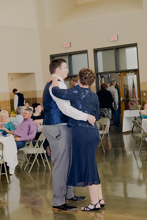 05175--©ADH Photography2017--DerekHollyVolker--Wedding