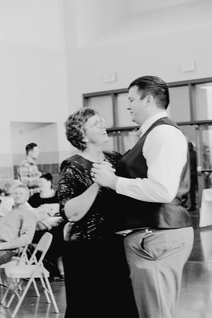 05174--©ADH Photography2017--DerekHollyVolker--Wedding