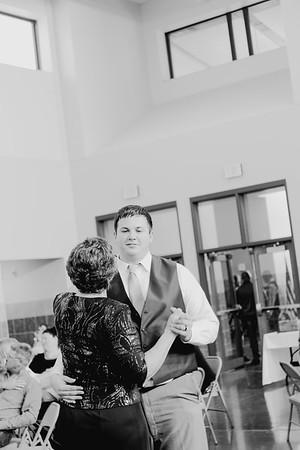 05160--©ADH Photography2017--DerekHollyVolker--Wedding