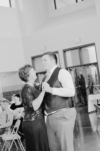 05168--©ADH Photography2017--DerekHollyVolker--Wedding