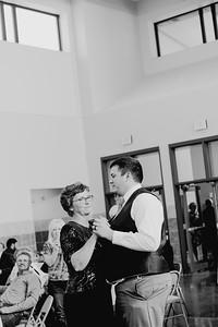 05146--©ADH Photography2017--DerekHollyVolker--Wedding