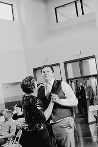 05164--©ADH Photography2017--DerekHollyVolker--Wedding