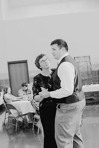 05148--©ADH Photography2017--DerekHollyVolker--Wedding