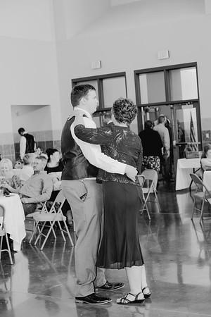 05176--©ADH Photography2017--DerekHollyVolker--Wedding