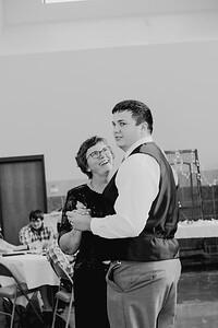 05154--©ADH Photography2017--DerekHollyVolker--Wedding