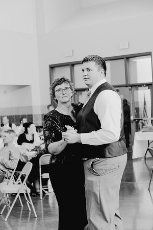 05186--©ADH Photography2017--DerekHollyVolker--Wedding