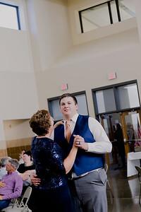 05163--©ADH Photography2017--DerekHollyVolker--Wedding