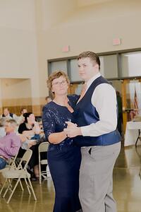 05183--©ADH Photography2017--DerekHollyVolker--Wedding