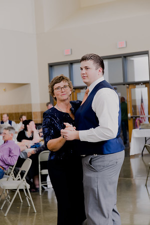 05185--©ADH Photography2017--DerekHollyVolker--Wedding