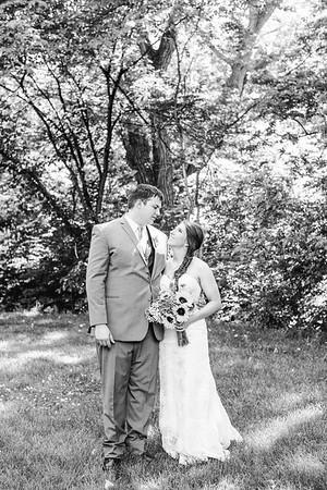 02252--©ADH Photography2017--DerekHollyVolker--Wedding