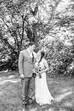 02256--©ADH Photography2017--DerekHollyVolker--Wedding