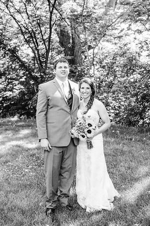 02236--©ADH Photography2017--DerekHollyVolker--Wedding