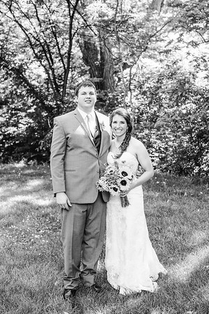 02238--©ADH Photography2017--DerekHollyVolker--Wedding
