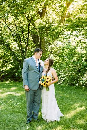 02253--©ADH Photography2017--DerekHollyVolker--Wedding