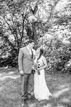 02254--©ADH Photography2017--DerekHollyVolker--Wedding