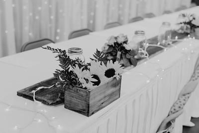 02828--©ADH Photography2017--DerekHollyVolker--Wedding