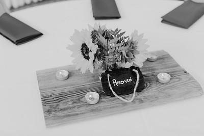 02836--©ADH Photography2017--DerekHollyVolker--Wedding