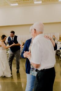 05137--©ADH Photography2017--DerekHollyVolker--Wedding