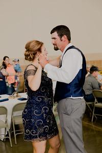 05189--©ADH Photography2017--DerekHollyVolker--Wedding