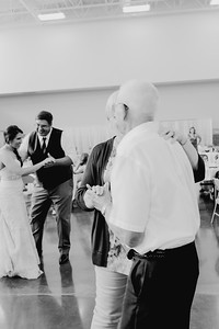 05138--©ADH Photography2017--DerekHollyVolker--Wedding