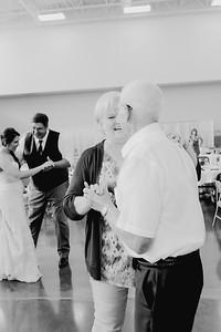 05136--©ADH Photography2017--DerekHollyVolker--Wedding