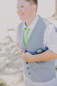 00019--©ADHPhotography2017--DeavonShannaHamilton--Wedding